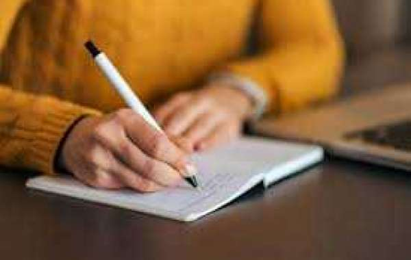 How Professional Essay Writing Services Can Help Students